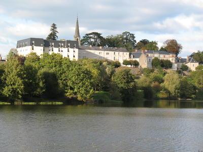 EHPAD - LOUISE DE LA VALLIERE 37330 Château-la-Vallière