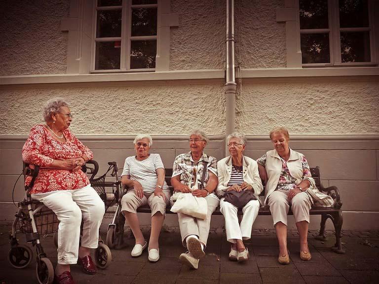 Quelle différence entre EHPAD et Maison de retraite ?