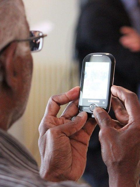 Nouvelle arnaque téléphonique qui touche les personnes âgées