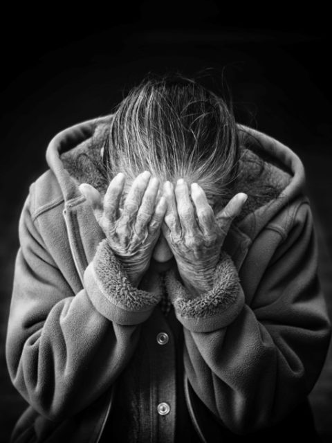 Alzheimer : les premiers signes à surveiller