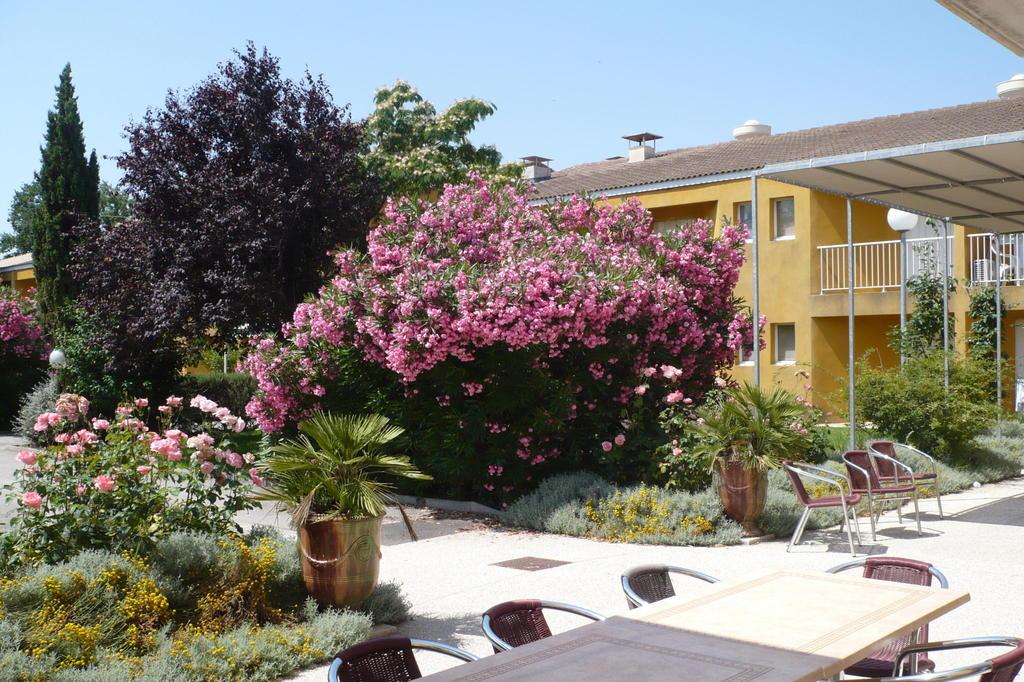 Ehpad residence les lavandins mallemort 13370 for Le jardin mallemort
