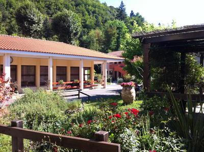EHPAD LES TREILLES 34610 Saint-Gervais-sur-Mare